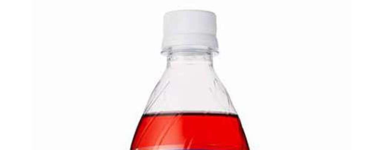 Pepsi Salty Watermelon: o sabor de melancia salgada foi lançado no final de julho no Japão, onde a Pepsi costuma fugir dos sabores tradicionais durante o verão. Ainda que pareça estranho para os brasileiros, a fruta é consumida com uma pitada de sal no país para realçar o sabor