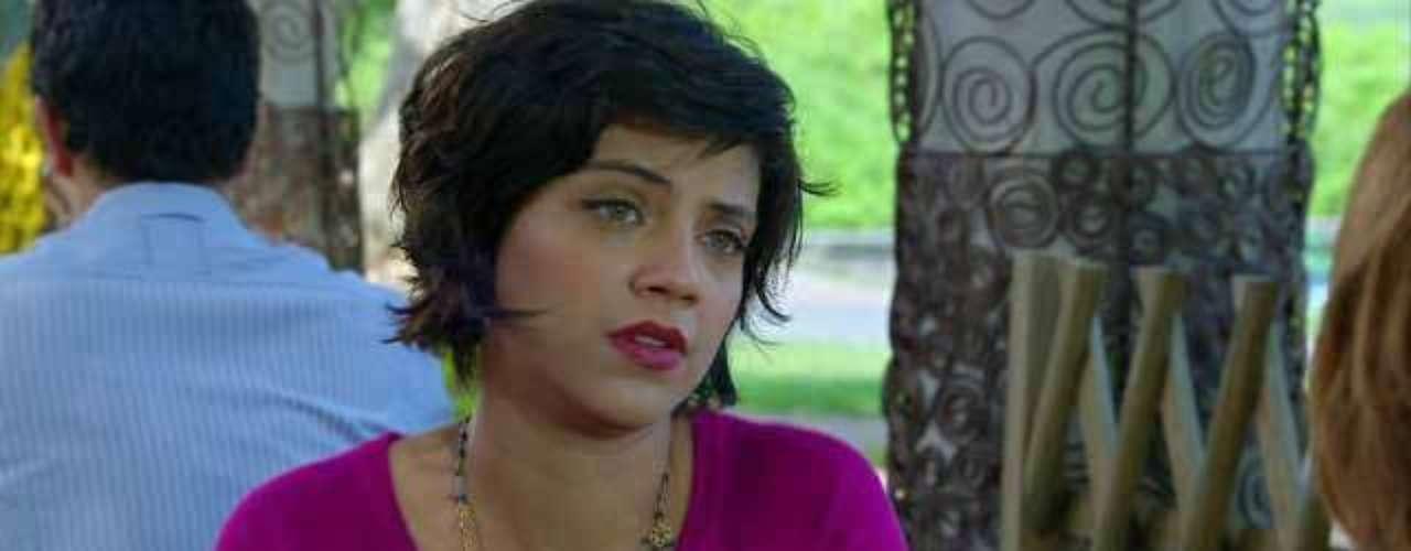 A personagem Miriam (Letícia Persiles), de Amor Eterno Amor, aparece três vezes na lista dos mais pedidos. Os seus itens que agradaram o público são o batom vermelho, o batom vermelho-cereja e o esmalte vermelho