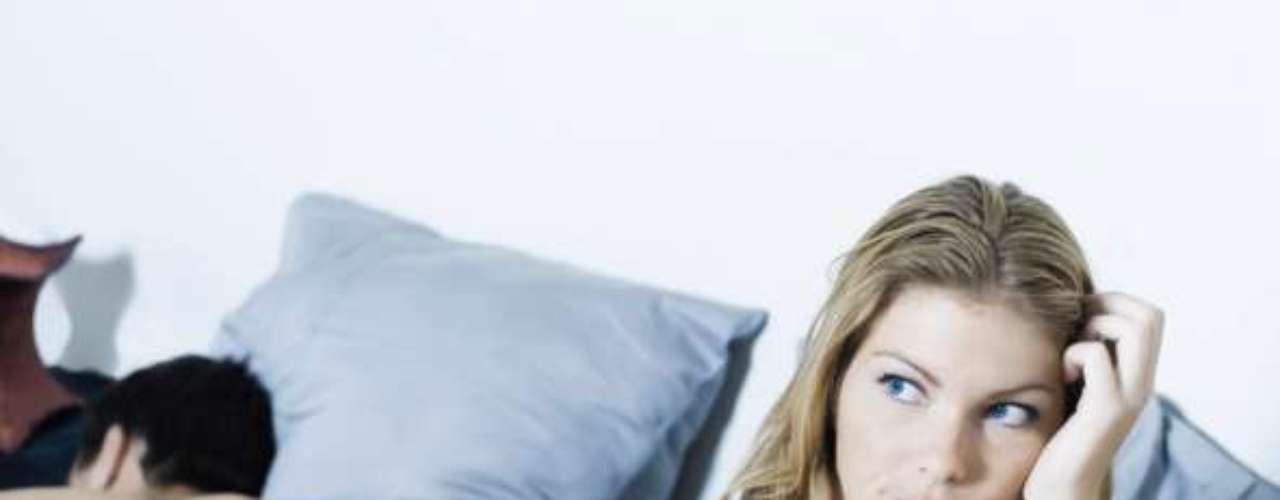 2. Por que isso acontece às vezes?Vez ou outra, quando seu colega aí em baixo decepciona, a culpa pode ser da ansiedade de desempenho, aponta a sexóloga Maria Claudia Lordello, da Universidade Federal de São Paulo (Unifesp). Neste caso, você se mostra tão afoito para completar o serviço e deixá-la satisfeita que acaba ficando nervoso, perdendo o foco e falhando na hora H. O stress da rotina, as preocupações com o trabalho, a educação sexual e até o desgaste da relação podem influenciar de maneira negativa o seu desempenho na cama