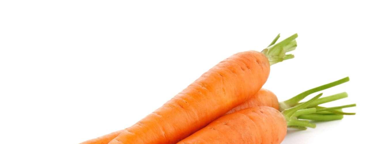 Cenoura: alimento rico em betacaroteno, fibras, cálcio, zinco e vitaminas A, C e E. Além de auxiliar a digestão, melhora a produção de sangue e, para as grávidas, aumenta a produção de leite