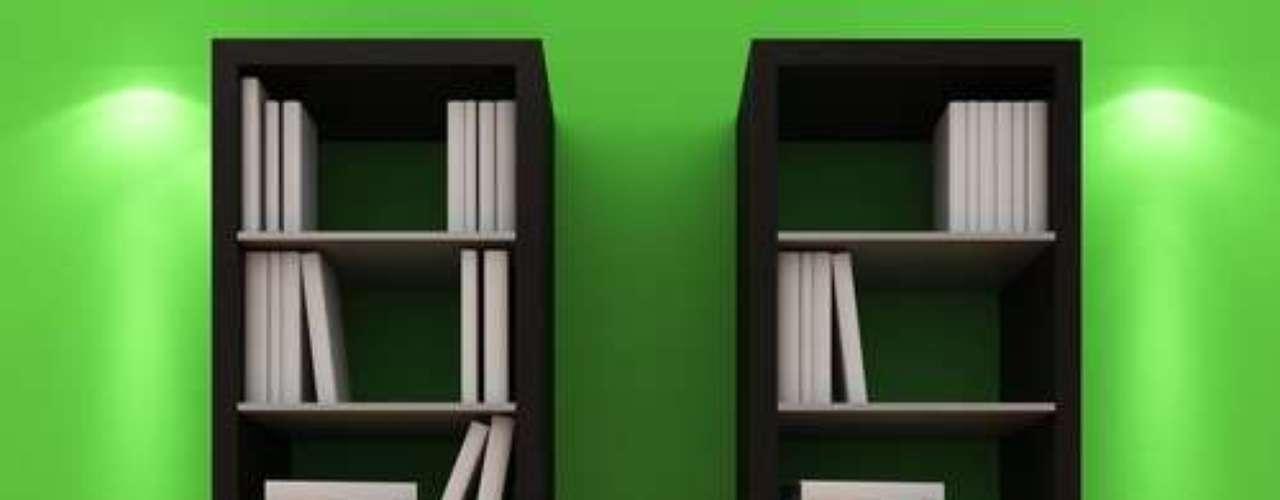 Outra maneira de variar o estilo clássico é separar as estantes, como neste caso
