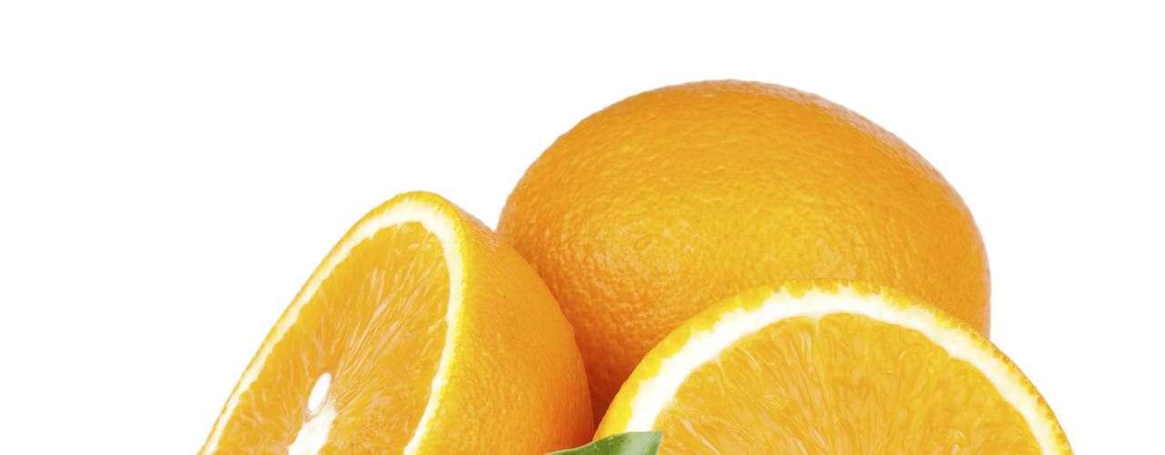 Laranja: fonte de vitamina C e caroteno, esse fruto ajuda a combater gripes e resfriados e pode prevenir alguns tipos de câncer