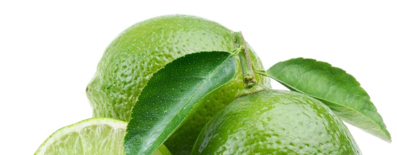 Limão: tem propriedades para tratar resfriados e gripes e melhorar a circulação do sangue. É rico em cálcio, potássio e vitamina C