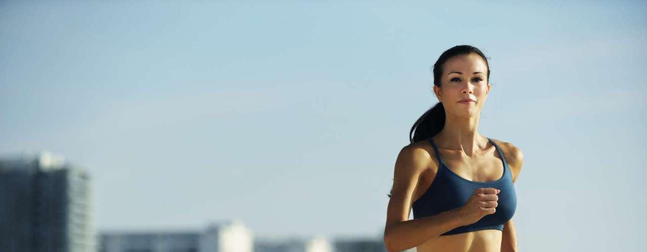 Malhe na medida certa - Vinte minutos de exercícios aeróbicos moderados três vezes por semana ajudam a queimar muito mais gordura abdominal do que o dobro do tempo na academia fazendo atividades mais leves, diz um estudo australiano