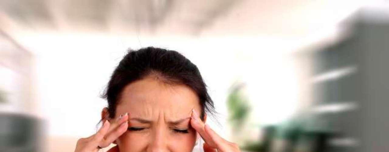 Se você está tentando se afastar dos analgésicos quando a dor de cabeça aparece, pode optar por alguns alimentos que ajudam no combate