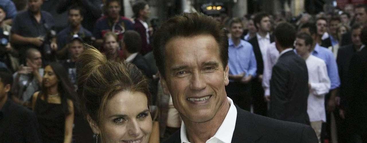 Maria Schriver foi casada com Arnold Schwarzenegger por 25 anos, mas o relacionamento não resistiu a traição do ator, que além de ter um caso com a empregada da família, também tinha um filho com ela