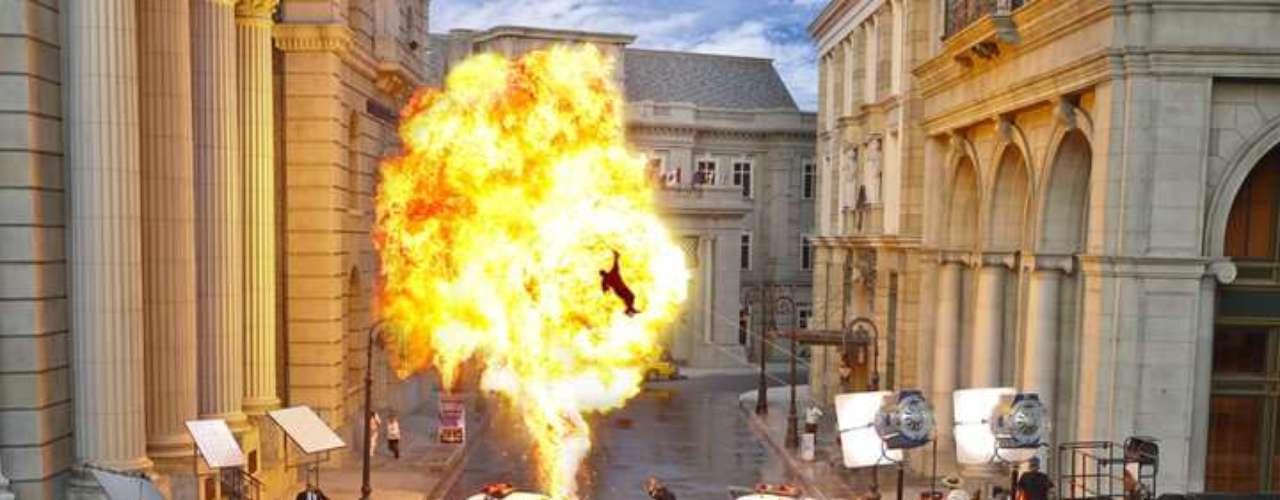 19. Universal Studios Hollywood, Estados Unidos: quatro anos e US$ 100 milhões foram precisos para criar a nova atração estrela do Universal Studios Hollywood, em Los Angeles, Califórnia: o Transformers: The Ride-3D, com nada menos do que 14 telas 3D. A atração foi inaugurada em maio deste ano e deverá aumentar o número de visitantes, que passou dos 5 milhões em 2011