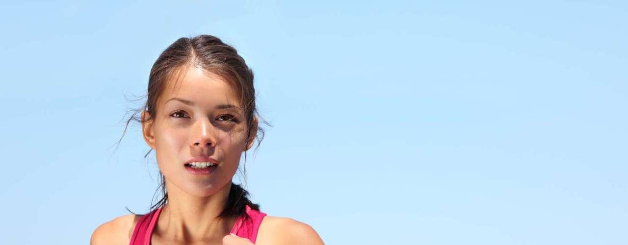 2. Renove sua rotina de exercícios: claro, talvez você tenha planejado dar um tempo antes de voltar a correr ou malhar, mas, com isso você pode perder a noção do tempo, se acomodar e até ganhar alguns quilos. Depois do divórcio, você precisa se esforçar para manter sua aparência boa e se sentir melhor consigo mesma. Além disso, o exercício libera endorfina, hormônio que vai ajudá-la a se sentir mais feliz
