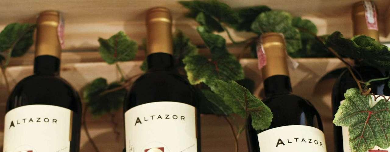 O conceituado vinho chileno Altazor custa R$ 237,30 na feira