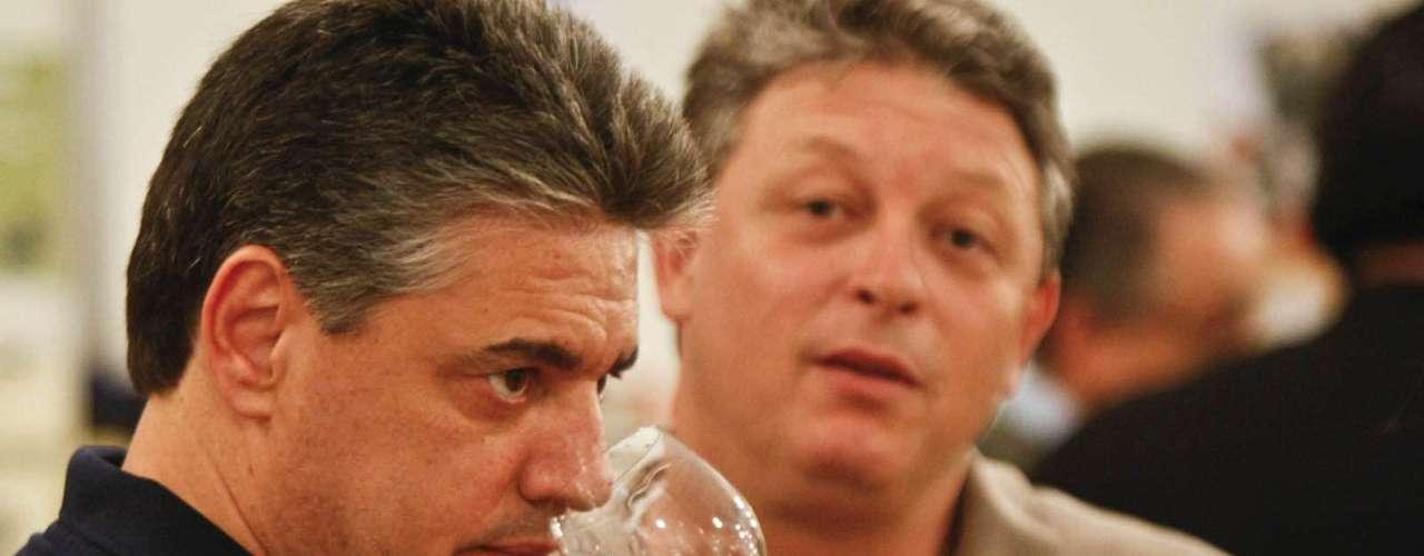 Para participar do evento o vistitante paga R$ 50 e tem direito a entrada e uma taça, que pode ser usado para a degustação ilimitada de vinhos