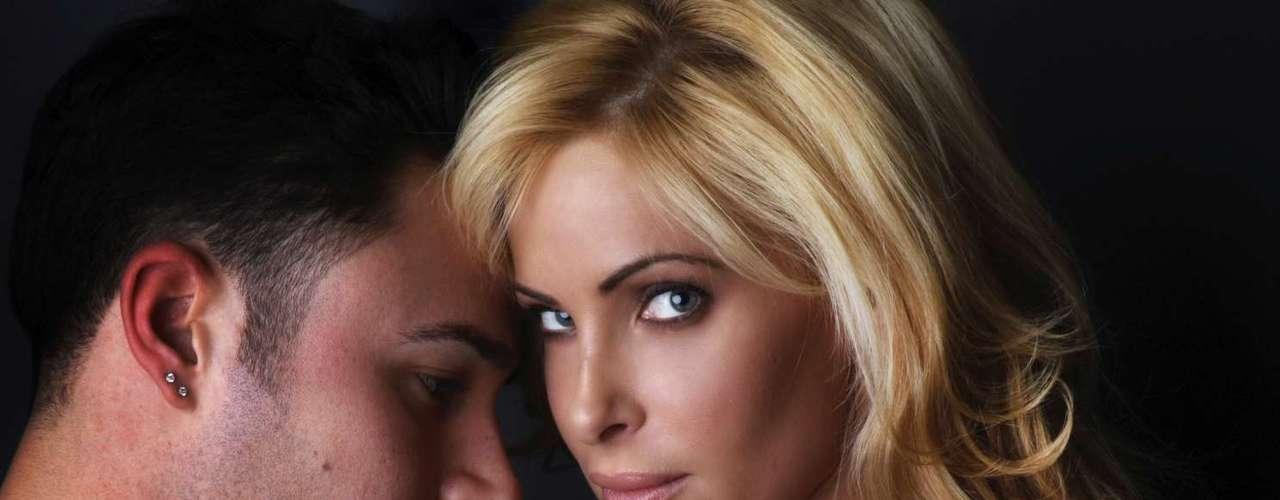 4. Como as mulheres encaram este tipo de relacionamento?Da mesma forma ocorre com as mulheres, segundo observa Lygia. Se está em um determinado momento da vida em que não está interessada em construir uma relação séria, pode aproveitar tais relacionamentos apenas para se divertir e para se apoiar em momentos em que se sente carente. Regiane reforça que, fisicamente, as mulheres também podem apresentar essa pré-disposição,  embora sejam mais românticas de um modo geral. As mulheres prezam também por outras características dos relacionamentos, como por exemplo, companheirismo. Por este perfil pode ser que desejem com o tempo algo com mais completude. Lembrando que, nos tempos atuais, também existem homens que exigem algo a mais, analisa