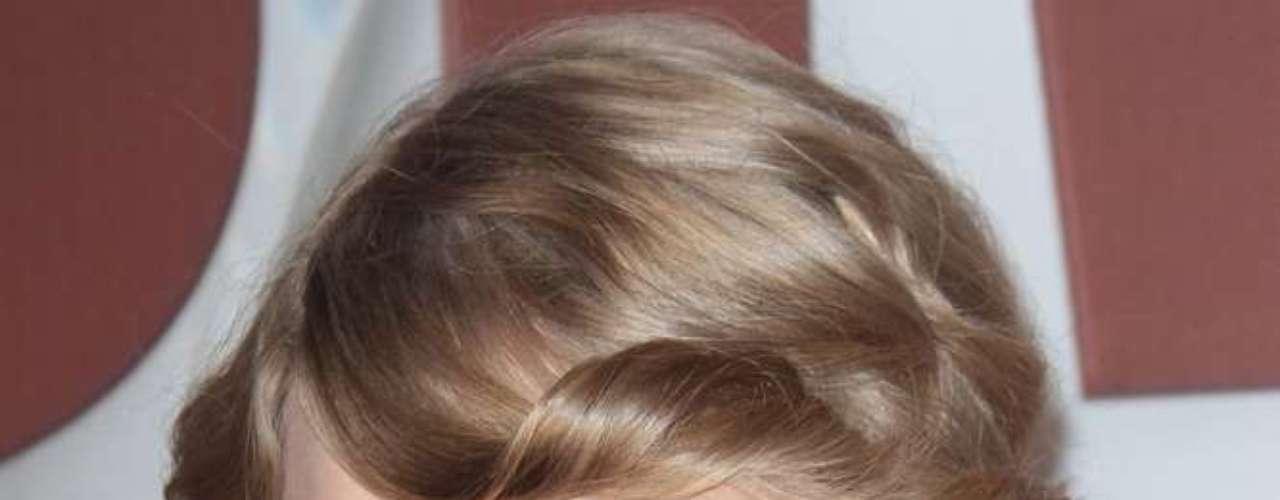 A cantora Taylor Swift não mede esforços para que sua pele permaneça bonita e saudável ao longo dos anos