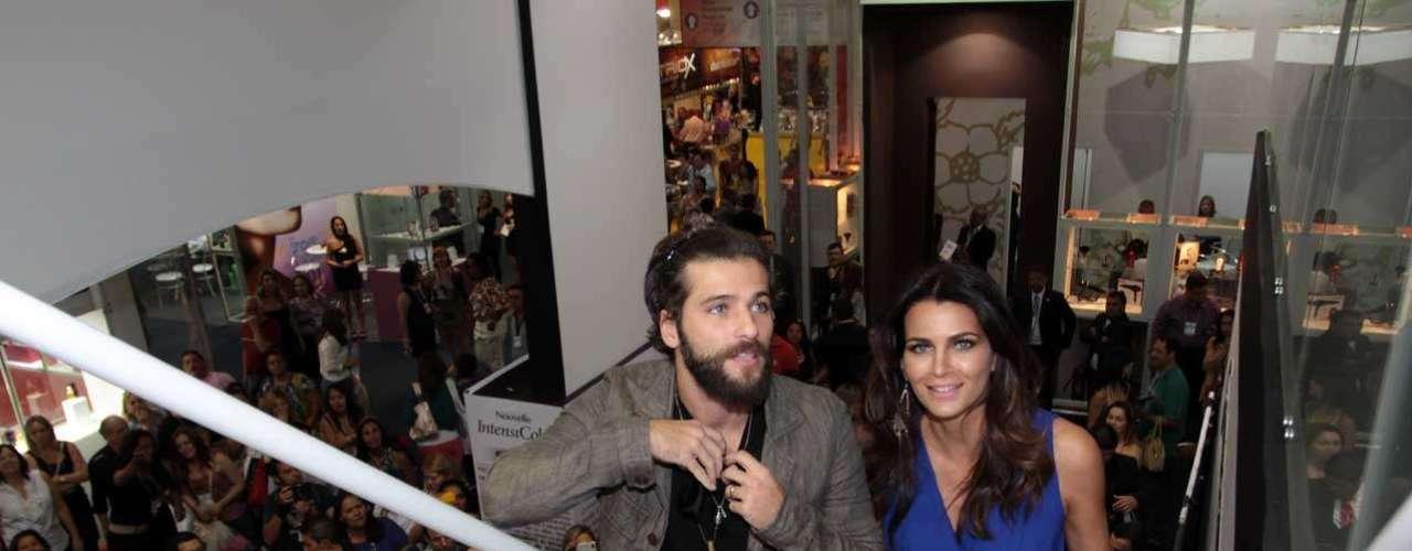 O ator Bruno Gagliasso e a apresentadora e modelo Fernanda Motta também compareceram ao evento