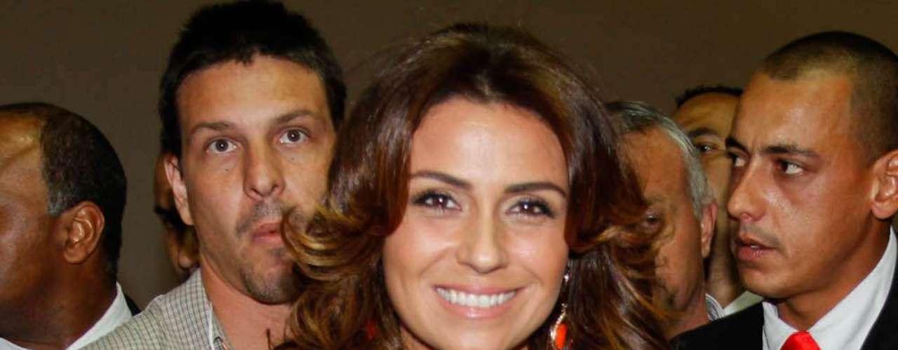 Giovanna representa os produtos da Niely Gold, uma das marcas expositoras