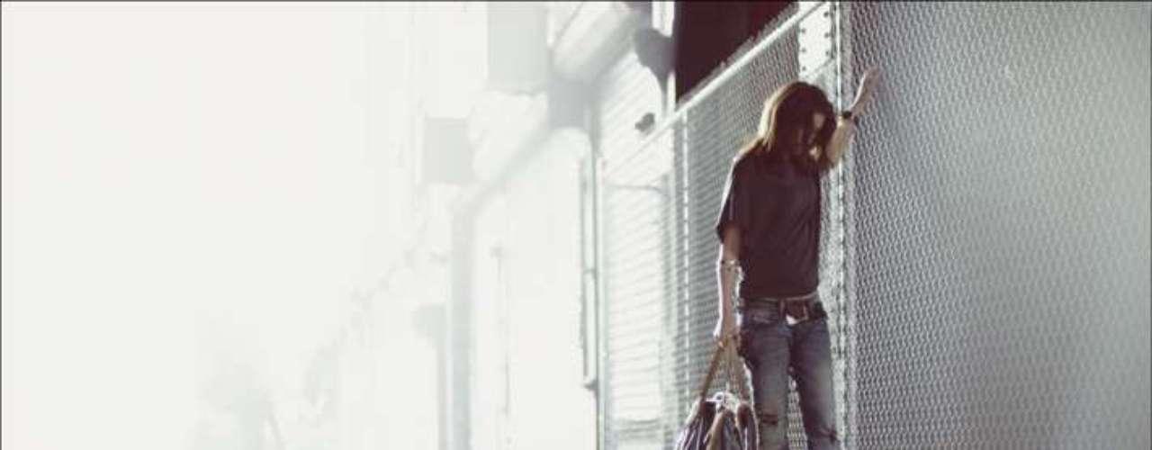 Tali Lennox vestiu o modelo Faithlegg