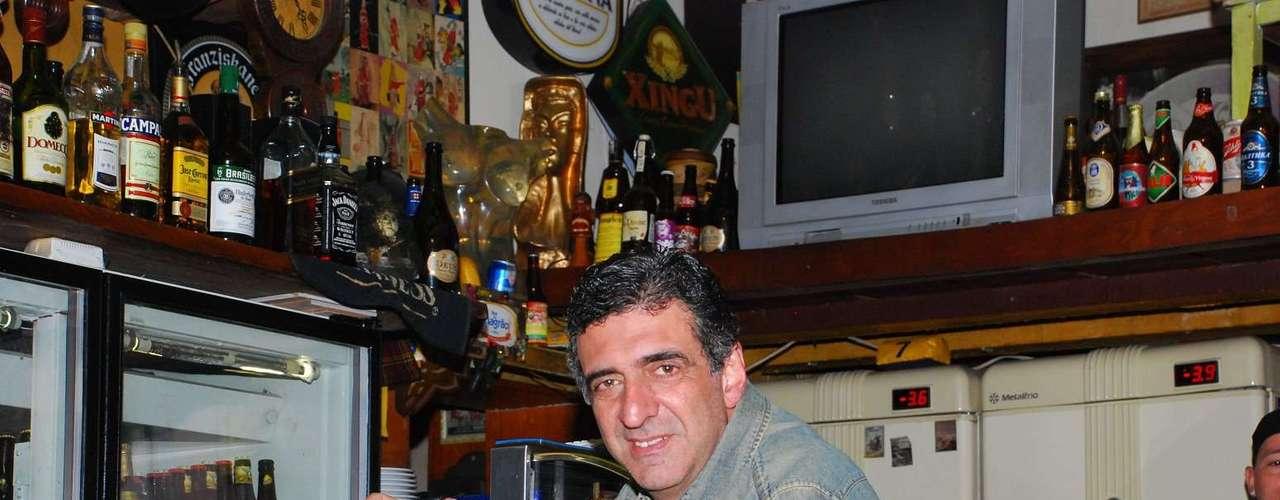 Bar do Magrão - Carta: 140 rótulos de cervejas nacionais e internacionais. Endereço: R. Agostinho Gomes, 2988 - Ipiranga. Telefone: (11) 2061-6649. Horário de funcionamento: de terça a sexta, das 17h às 24h; sábado, das 12h às 24h; e domingo, das 12h às 22h