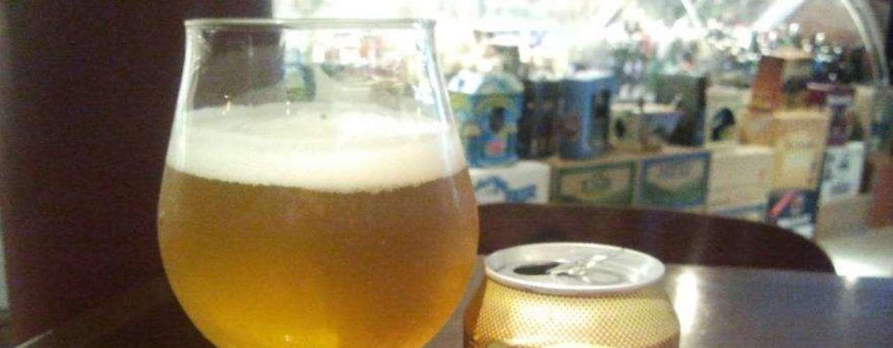 Bezerra - Carta: 100 marcas de cerveja de 15 países diferentes, entre rótulos tradicionais e até exclusivos. Endereço: R. Coriolano, 800  Vila Romana. Telefone: (11) 3862-4646. Horário de funcionamento: de segunda a sexta, a partir das 17h, e sábado e domingo, a partir das 12h