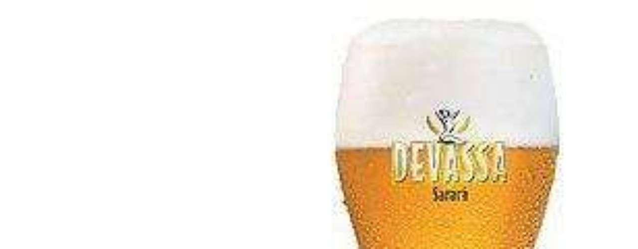 Cervejaria Devassa - Carta: 5 rótulos de cerveja e 5 de tipos de chope de fabricação própria. Endereço: R. Bela Cintra, 1579  Consolação / Av. Engenheiro Luiz Carlos Berrini, 1438  Brooklin / Av. Sabiá, 733, Indianópolis  Moema / R. Morás, 40 - Vila Madalena. Telefone: (11) 3081-6081 (Consolação) / 2729-4163 (Brooklin) / 2373-4145 (Moema) / 2129-6545 (Vila Madalena). Horário de funcionamento: de segunda a quarta, das 12h às 15h e das 18h às 24h, quinta e sexta, das 12h às 15h e das 18h à 1h; e sábado, das 12h à 1h (Consolação) / de segunda a quarta, das 12h às 23h, e de quinta a sábado, das 12h às 24 (Brooklin) / de segunda a sexta, a partir das 17h, e de sábado e domingo, a partir das 12h (Moema) / de terça a quinta, das 18h às 24h, de sexta e sábado, das 18h às 2h, e domingo, das 13h às 24h