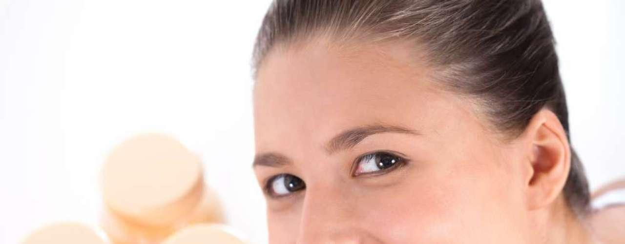 Cosmético conta com a mesma toxina da versão injetável e também com o auxílio de uma espécie de carregador para que a química seja completamente absorvida pela pele