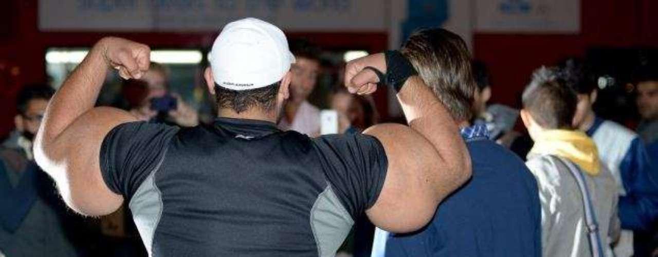 Dedicado a aumentar seus músculos, ele se mudou com toda a sua família para os Estados Unidos há cinco anos para ter acesso aos melhores equipamentos de treino