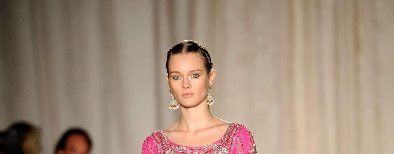 A Marchesa apresentou sua coleção de verão 2013 nesta quarta-feira (12), na semana de moda de Nova York