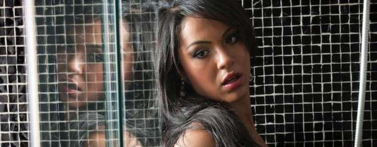 O concurso Miss Bumbum Brasil 2012 já ultrapassou um milhão de votos na internet. Para comemorar, as 27 candidatas estão na disputa fizeram um novo ensaio com fotos sensuais. Na foto, Aline Bernardes, do Mato Grosso do Sul