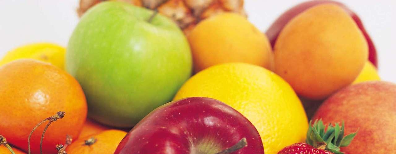 As frutas com sementes, como romã, por exemplo, também dominam o jantar de Rosh Hashaná, pois representam o desejo de realizar muitas ações no próximo ano
