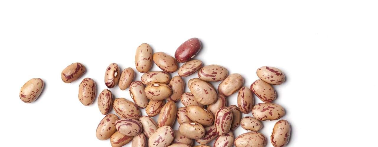 Feijão-rajado: os grãos graúdos e rosados possuem pintas mais escuras. O sabor levemente adocicado é indicado para ensopados