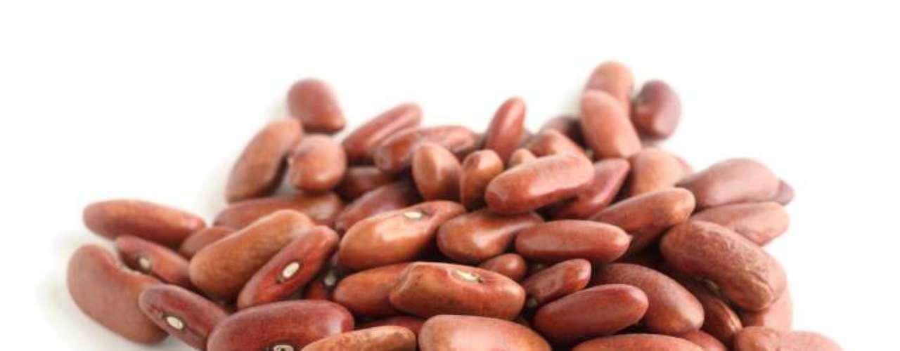 Feijão-jalo: os grãos alongados formam um caldo denso e de coloração avermelhada. Bastante consumido em Minas Gerais e na região Centro-Oeste, vai bem como tutu, virados, feijão tropeiro, sopas e até mesmo nas saladas