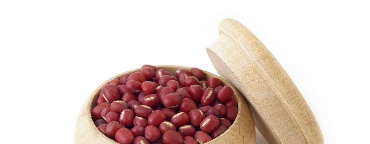 Feijão-azuki: este grãozinho é bastante utilizado na cozinha japonesa, até mesmo no preparo dos doces, como o yopan