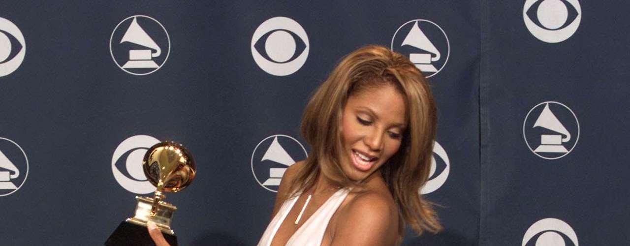 Para ela, as atrizes usam modelos que causam polêmica para realmente chamar atenção da mídia e dos fãs. \