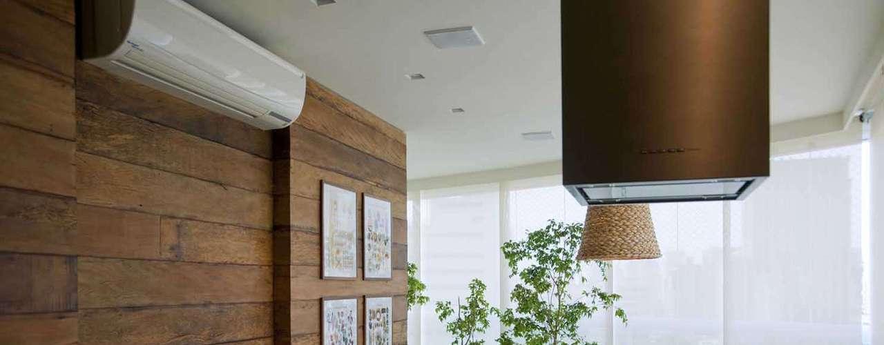 O tamanho do ambiente ajuda a definir se a varanda será integrado ou não à sala
