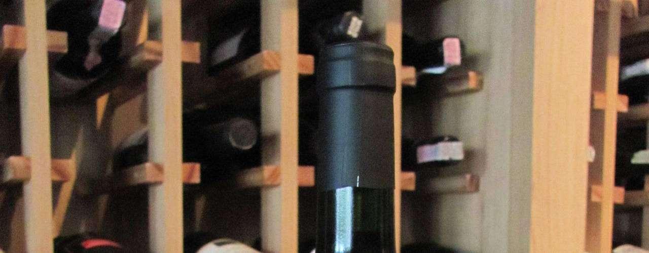 Picada 15 Blend 2011 (Argentina) - Preço: R$ 30. Características: possui 30% cabernet sauvignon, 30% merlot, 20% malbec e 10% pinot noir. Um vinho jovem e fresco, sem passagem por madeira, fácil de beber e gostar. Obteve 88 pontos do especialista Robert Parker. Onde encontrar: Importadora Vinhos do Mundo. Tel. (51) 3028-1998