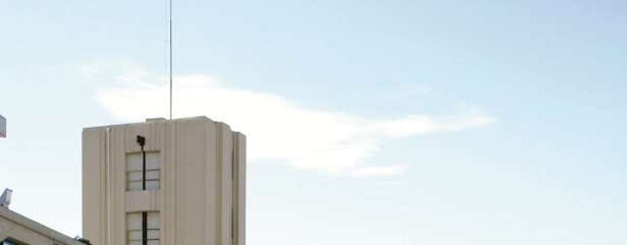 Salvador, BA, Brasil - O pacote com passagens aéreas, quatro noites de hospedagem no hotel Pestana Bahia com café da manhã, city tour, passeio panorâmico com ritos no Pelô, traslados e assistência viagem custa R$ 869 por pessoa pela Flot Operadora Turística. As saídas acontecem entre os dias 20 de setembro e 10 de novembro