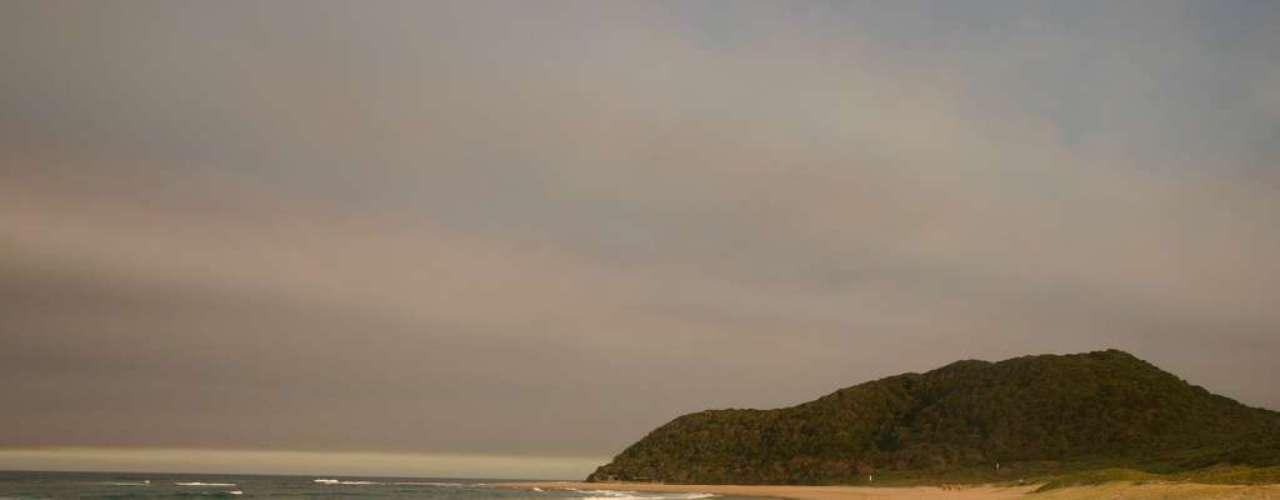 Kosi Bay, África do Sul: perto da fronteira entre a África do Sul e o Moçambique, a área de Kosi Bay faz parte de uma reserva natural onde quatro lagos interligados desembocam no mar. No oceano, Kosi Bay tem uma forte concentração de tubarões cabeça-chata, especialmente agressivos nesta área