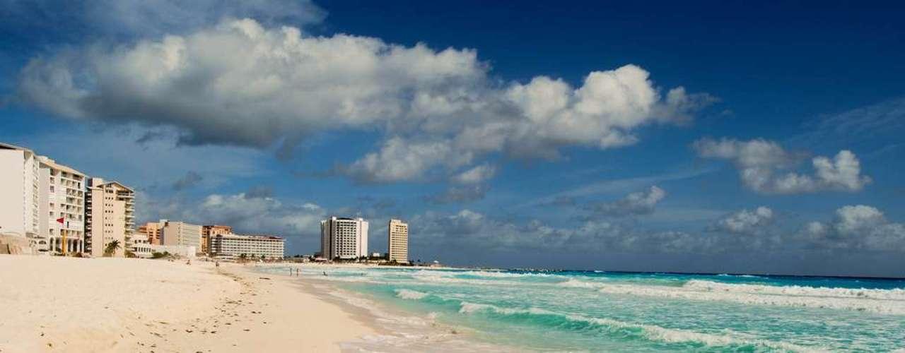 Cancun, México: as praias de Cancun, no Caribe mexicano, são mais conhecidas por sua beleza e sua diversão do que por ataques de tubarão. Apesar de raros, alguns incidentes são registrados de tempos em tempos, como ocorreu com três turistas no ano passado