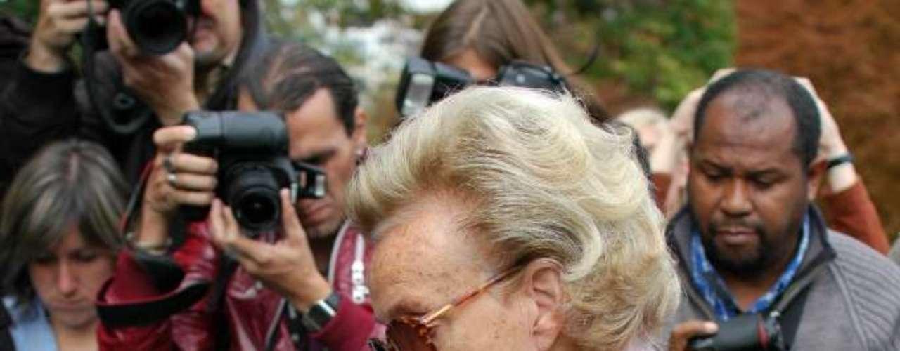 A ex-primeira-dama francesa Bernadette Chirac também estava no local