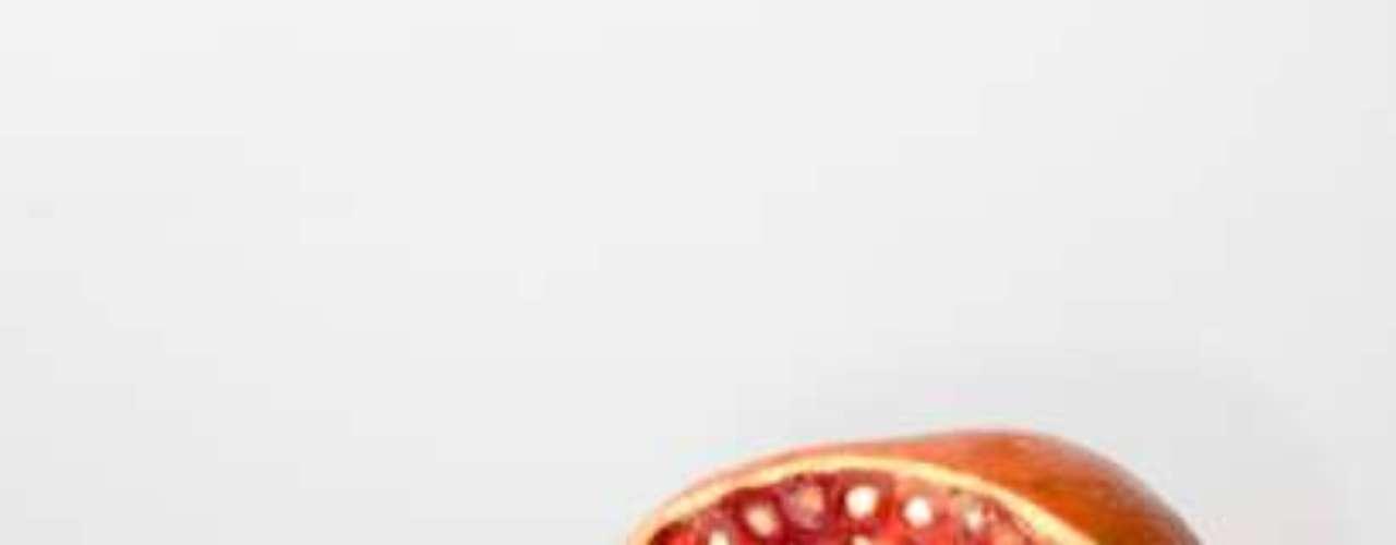 Estressado com as longas e cansativas horas no escritório? Pois saiba que, de acordo com uma pesquisa financiada pela empresa fabricante de suco Pomegreat, do Reino Unido, suco de romã pode ajudar a se sentir mais entusiasmado com o trabalho.