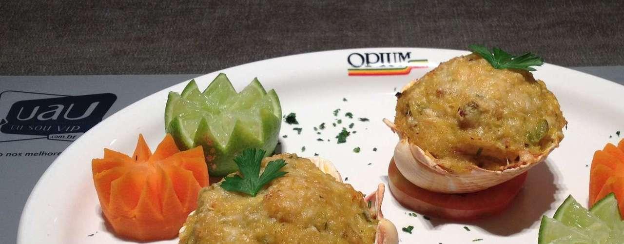 Em São Paulo, o Opium Motel serve a tradicional Casquinha de Siri, o prato mais pedido pelos clientes. R$ 10