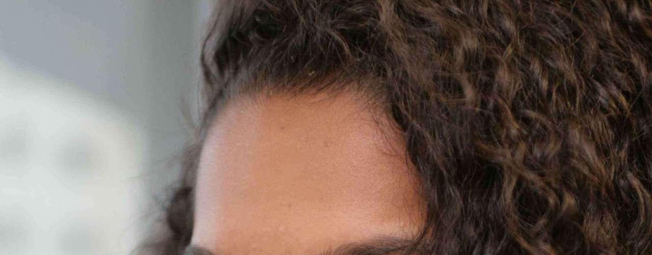 Certo: já na primeira aplicação, a receita, que pode ser feita semanalmente, deixa a pele hidratada e luminosa