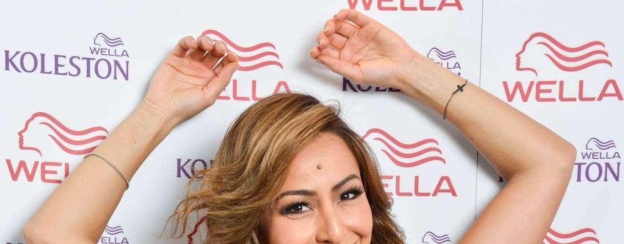 Como garota-propaganda das tintas Koleston, da marca de cosméticos Wella, ela escolheu a cor nuance 67 para deixar os fios castanhos