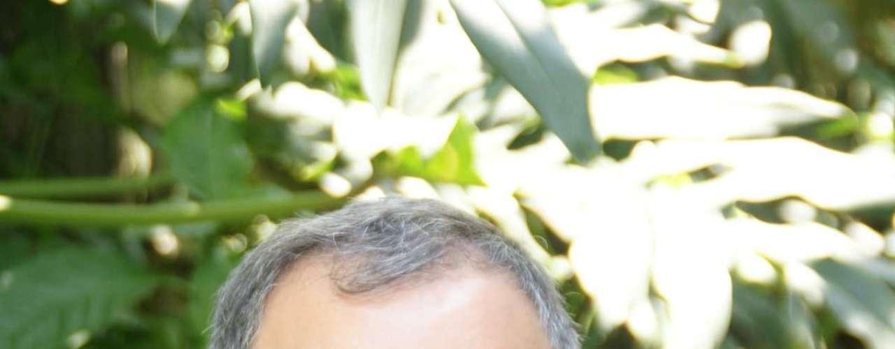 O diretor criativo do SPFW, Paulo Borges, também marcou presença no desfile da Osklen