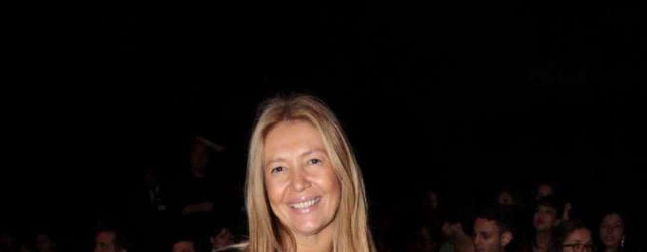 Diretora de estilo da revista Vogue, Donata Meirelles compareceu ao SPFW, no Parque Villa Lobos