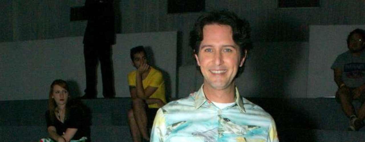O stylist e apresentador Arlindo Grund compareceu no desfile de João Pimenta