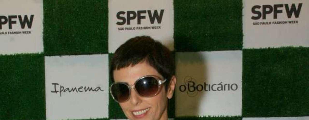 Lilian Pacce, jornalista sobre moda, foi ao segundo dia do SPFW