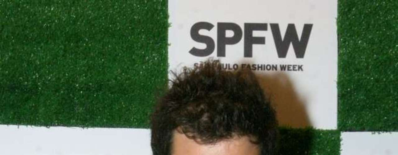 Publicitário e DJ, Victor Collor de Melo foi prestigiar o segundo dia do sPFW