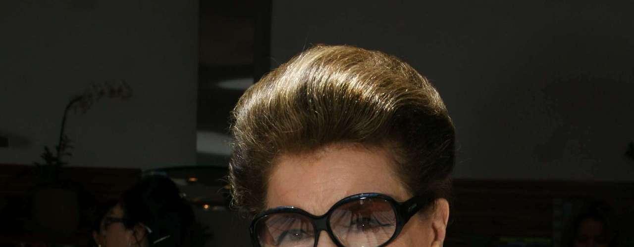 A consultora de moda Costanza Pascolato também marcou presença no desfile de Gloria Coelho, que levou coleção inspirada \
