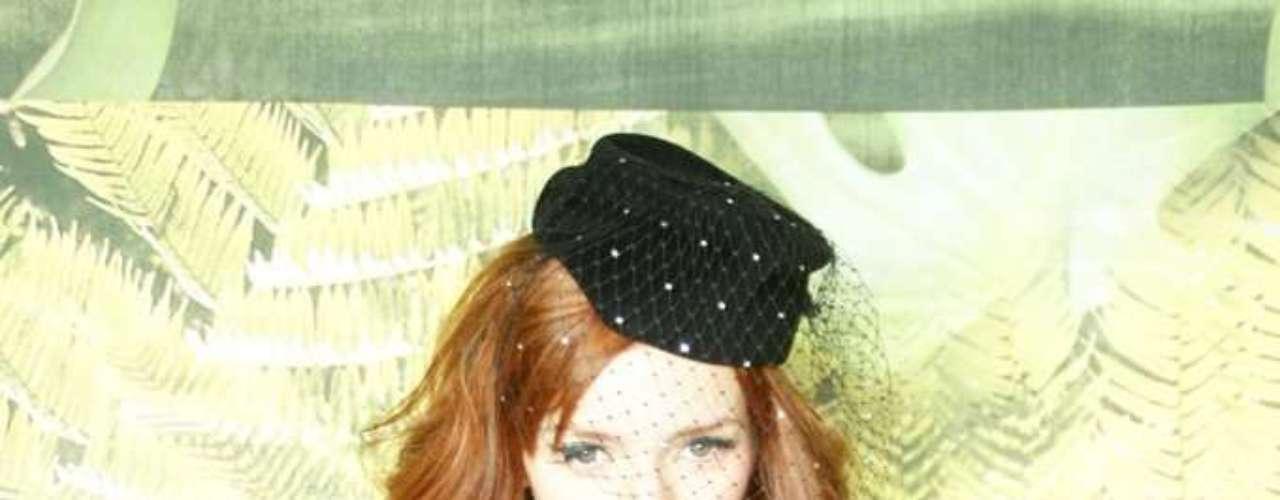 A produtora de moda e hostess Maria Eugênia Suconic compareceu também ao 3º dia de desfiles