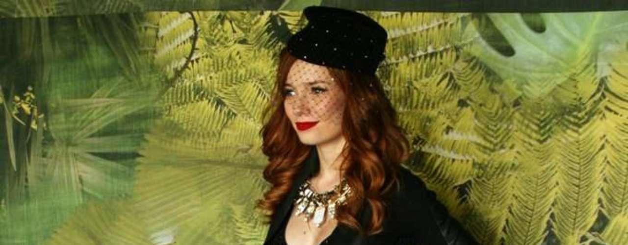 A produtora de moda e hostess Maria Eugênia Suconic também marcou presença no Parque Villa-Lobos, onde ocorre o SPFW