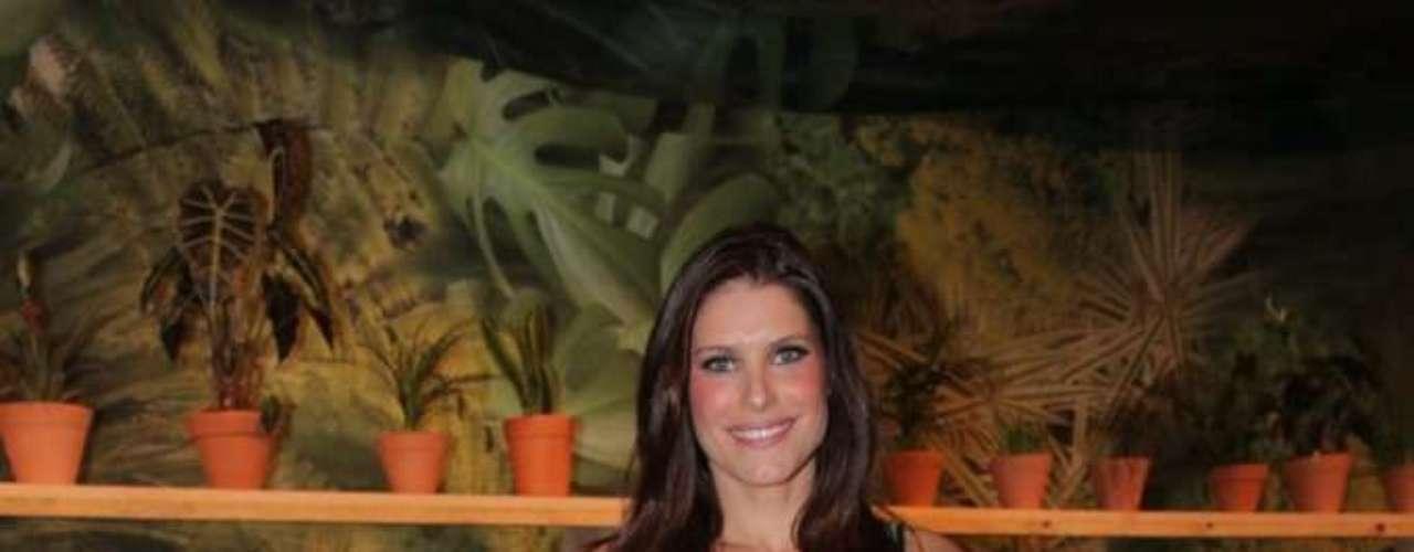 A apresentadora Ana Luiza Castro foi uma das celebridades presentes no desfile da Forum
